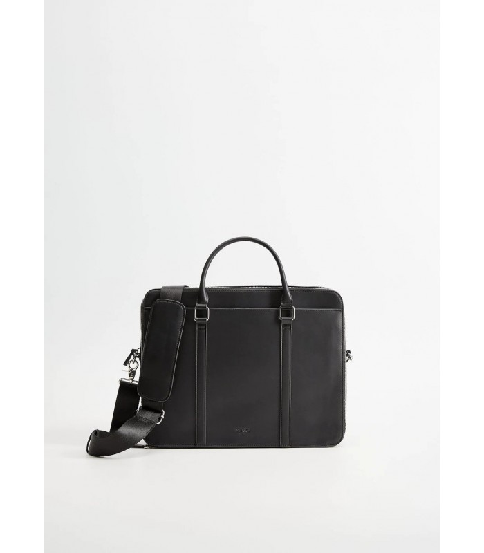 کیف مردانه کیف یک وسیله قابل استفاده برای خانم ها و آقایان است . استفاده از کیف بیشتر در بین خانم ها رواج دارد اما کیف آقایان نیز در انواع مختلف تولید می شود و آقایان با توجه به حرفه و شغلی که دارند می توانند با توجه به نیازشان از یک نوع کیف مناسب خودشان استفاده کنند . پس اگر قصد خرید یک هدیه کاربردی و منحصر به فرد برای آقایان دارید کیف یک انتخاب مناسب است . معمولا آقایان لوازمی را همراه خود دارند که متناسب با نیازشان باشد پس اگر شما قصد خرید کیف مردانه برای هدیه دارید بهتر است متناسب با نیاز فرد هدیه مناسب را انتخاب کنید . کیف مردانه در انواع پاسپورتی ، اداری ، کیف مدارک ف کوله پشتی غیره در بازار مکوجود است . کیف اداری اندازه ای بزرگ دارد و برای افرادی که در ادارات شاغل هستند و هر روز پرونده و وسایل زیادی را به همراه دارند مناسب است کیف اداری معمولا قیمت بالاتری نسبت به انواع دیگر دارد پس اگر می خواهید برای روز مرد و یا تولد همسرتان کیف مردانه بگیرید کیف اداری گزینه ای مناسب است . کیف مدارک و کیف پاسپورتی مورد استفاده اکثر آقایان قرار می گیرد و معمولا استفاده از این دو مدل نسبت به مدل های دیگر رواج بیشتری دارد . قیمت کیف مدارک بسیار مناسب است اگر یک هدیه ارزان قیمت به مناسبت های مختلف مانند روز تولد ، روز مرد ، روز دانشجو ، روز مهندس و غیره برای آقایان می خواهید کیف مردانه ی پاسپورتی یک هدیه کاربردی می باشد . به طور کلی قیمت انواع کیف مردانه با توجه به مدل و اندازه متغیر است اما به صورت کلی هدیه ای پرکاربرد با میانگین هزینه متوسط می باشد .